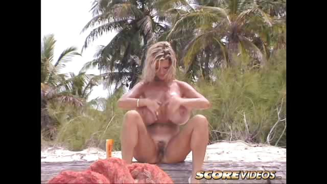 Porno Video of Dusty's Beach Romp