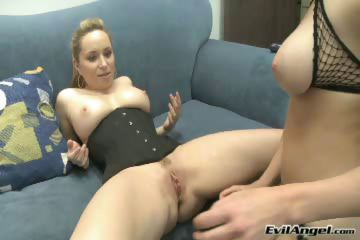 Porno Video of Natural Tits,threesome,toys,pussy To Mouth,blonde,tattoopiercing
