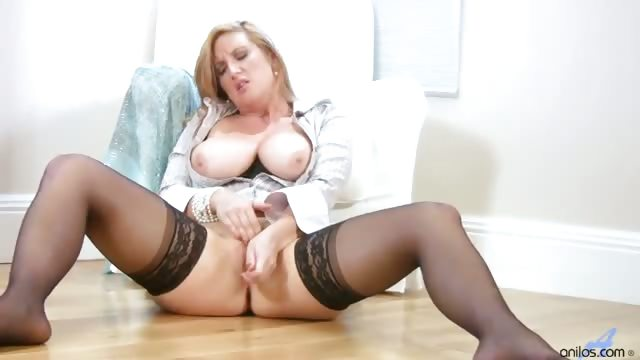 Porno Video of Busty Office Milf Gets Off When She Gets Home