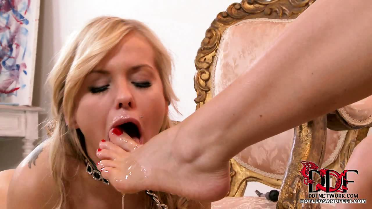 Porn Tube of Slave Girl Gets A Toe Tasting