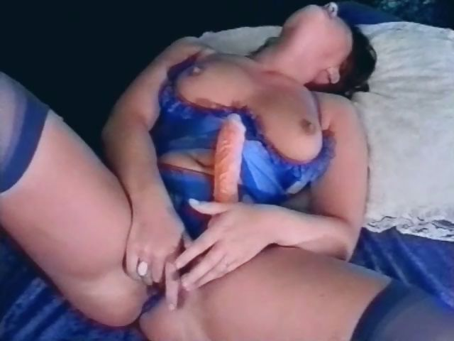 Porno Video of Vintage Solo Show Of A Plump German Babe In Blue Lingerie