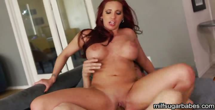 Porno Video of Kelly Divine