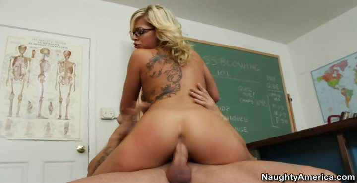 Porn Tube of Zoey Monroe