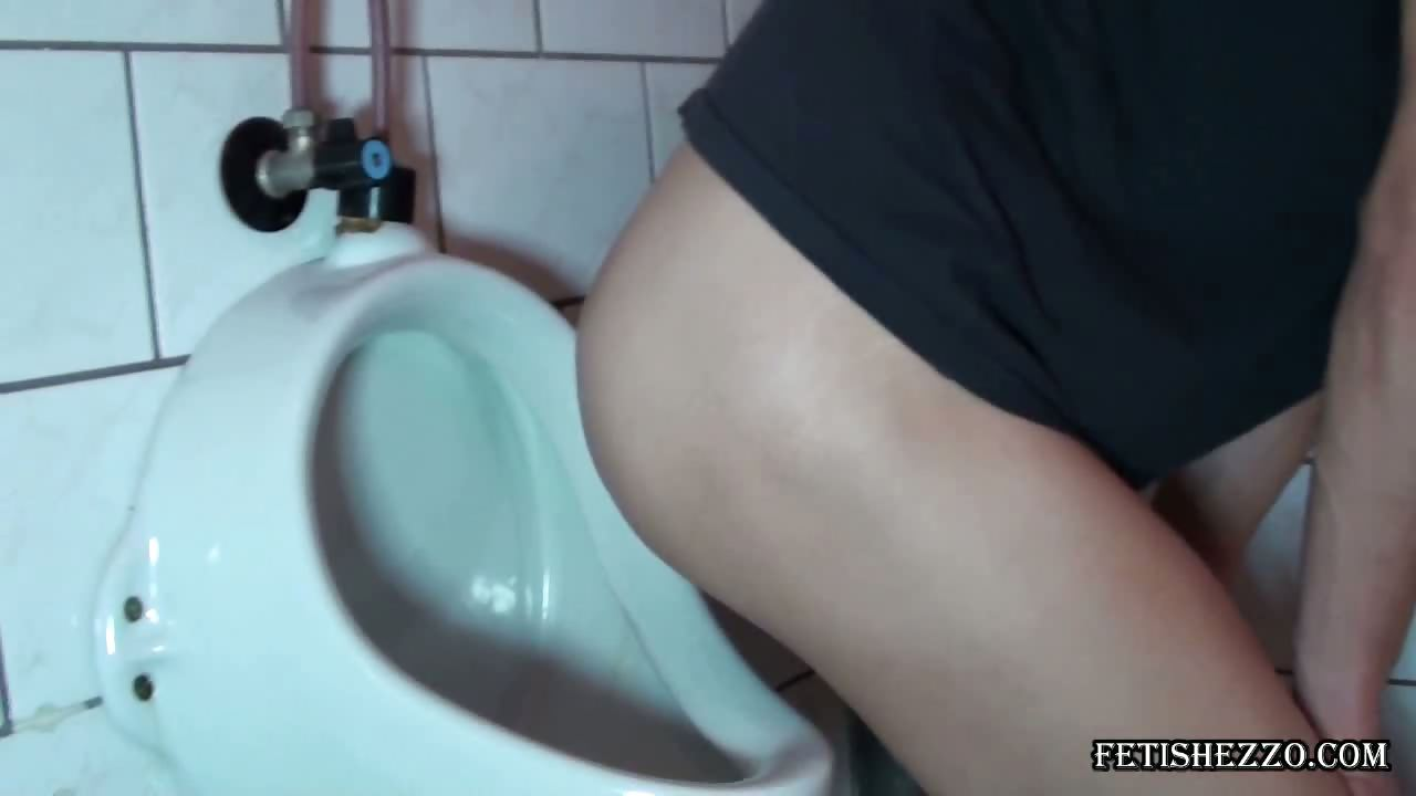 Porno Video of Enema In Public Wc