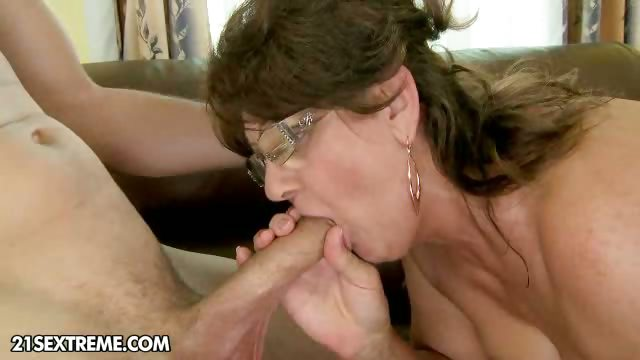 Porn Tube of A New Granny
