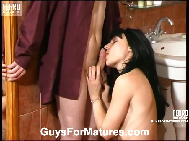 Porno Video of Seductive Milf Revealing Her Sensuality In Front Of Younger Guy Right In Wc