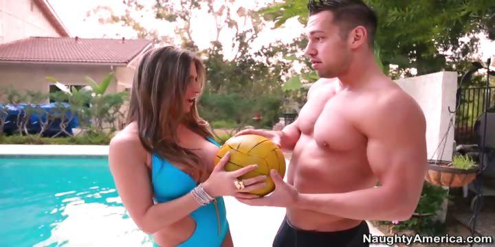Porno Video of Rachel Roxxx