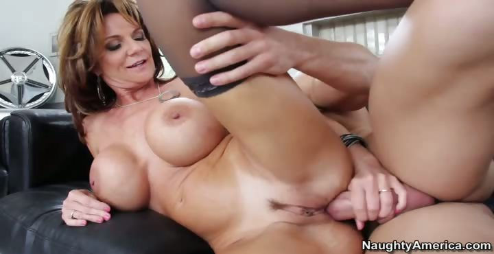 Porno Video of Deauxma