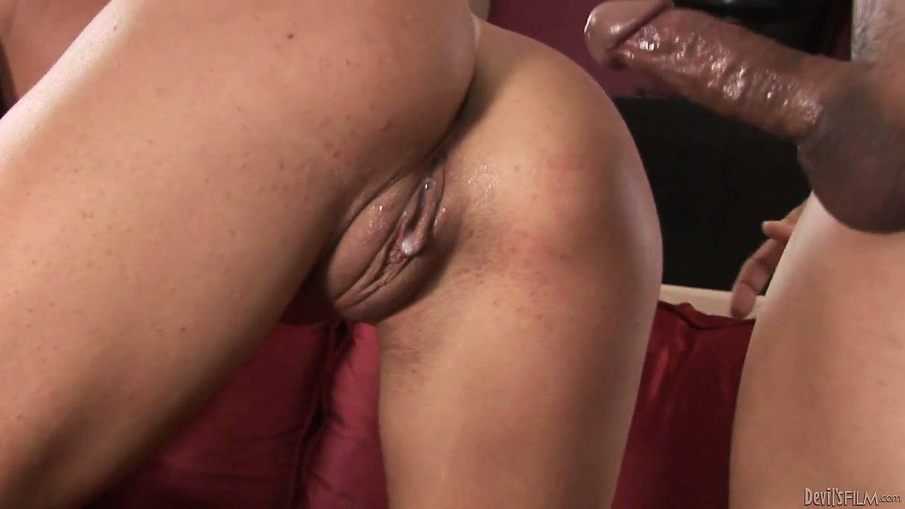 Porn Tube of She Gets Drilled From Behind And He Leaves A Deposit With A Creampie