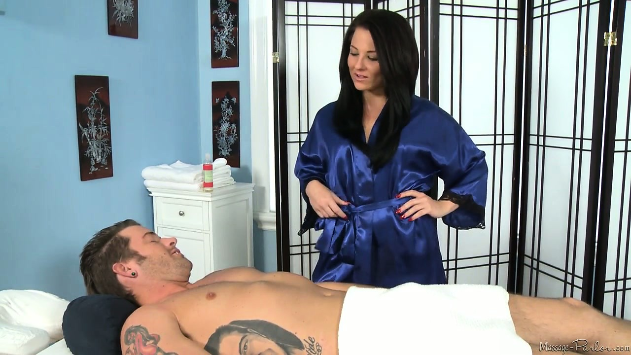 Porno Video of No One Leaves Her Massage Table Without Getting A Happy Ending