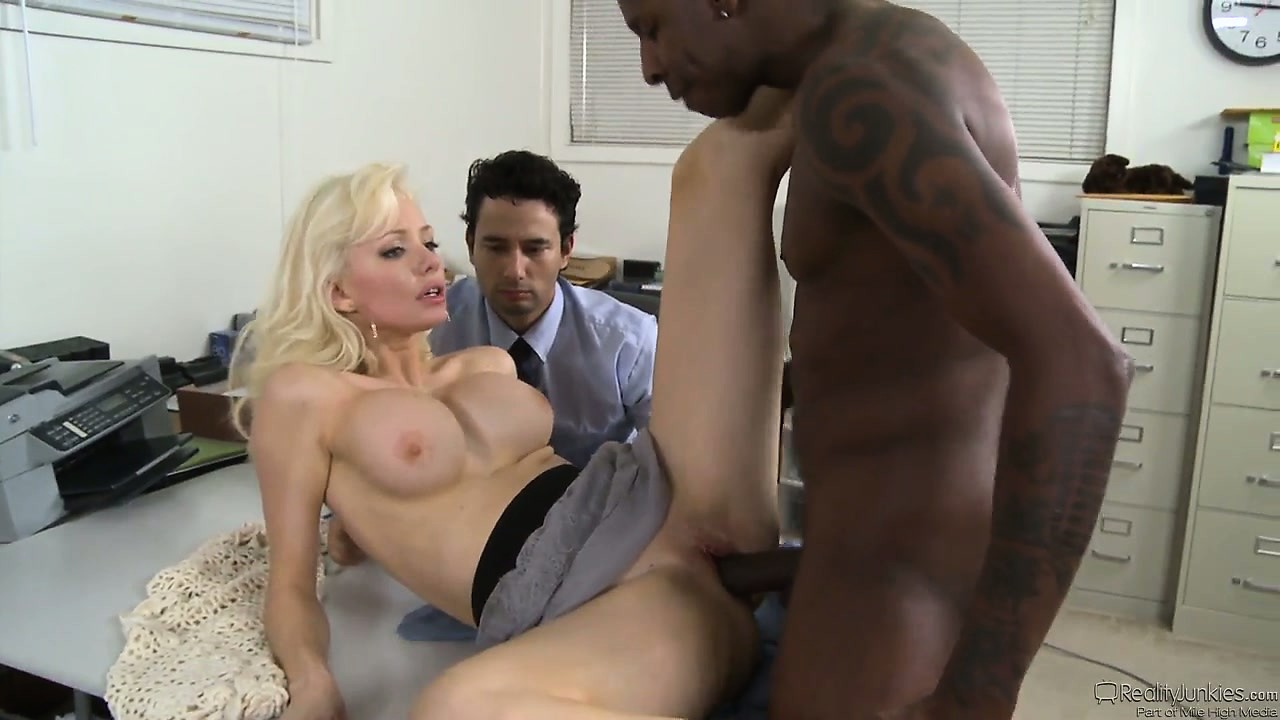Porno Video of Wife Cuckolds Her White Hubby With A Well Hung Ebony Stallion
