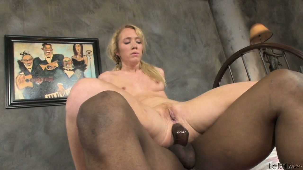 Porno Video of She Has A Hard Time Getting All Of That Big Bone Into Her Twat Hole