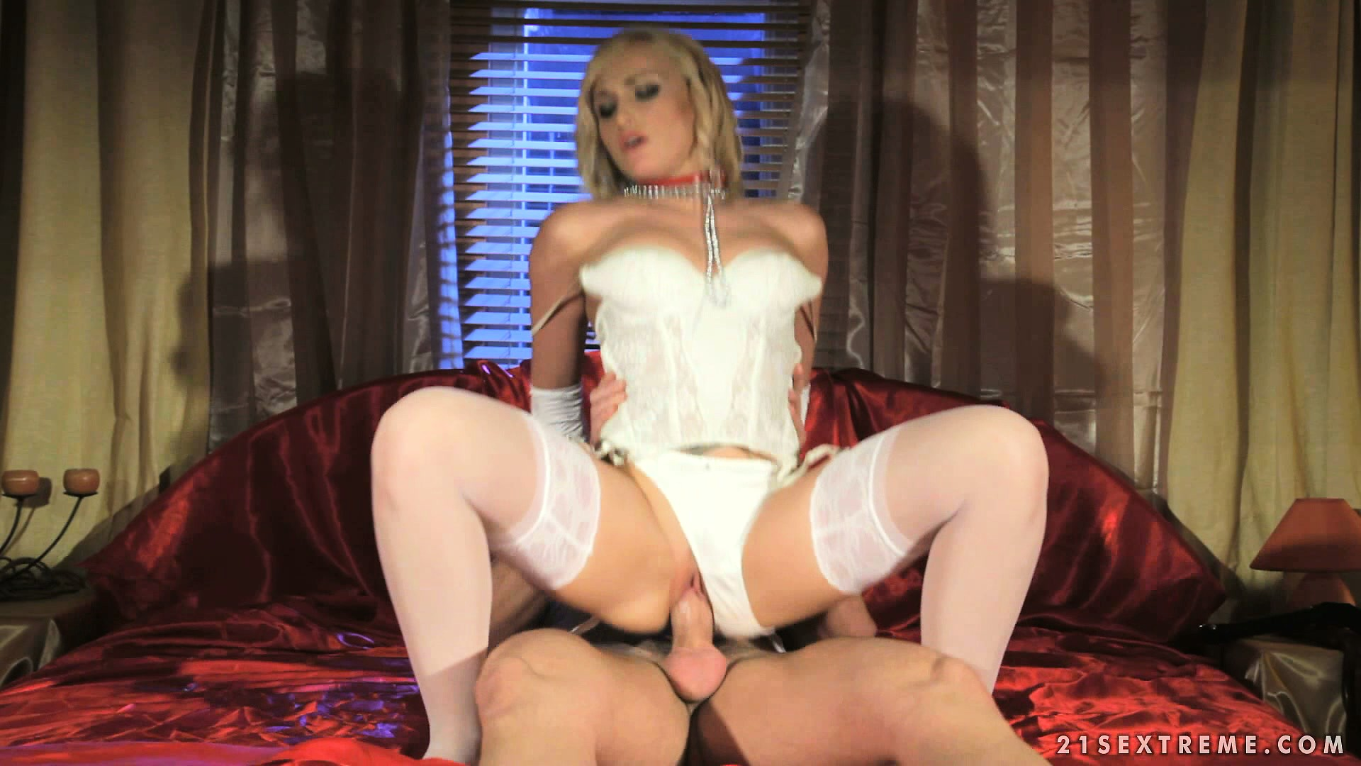 Porno Video of Masked Submissive Freak Provides His Mistress With A Cock To Ride On
