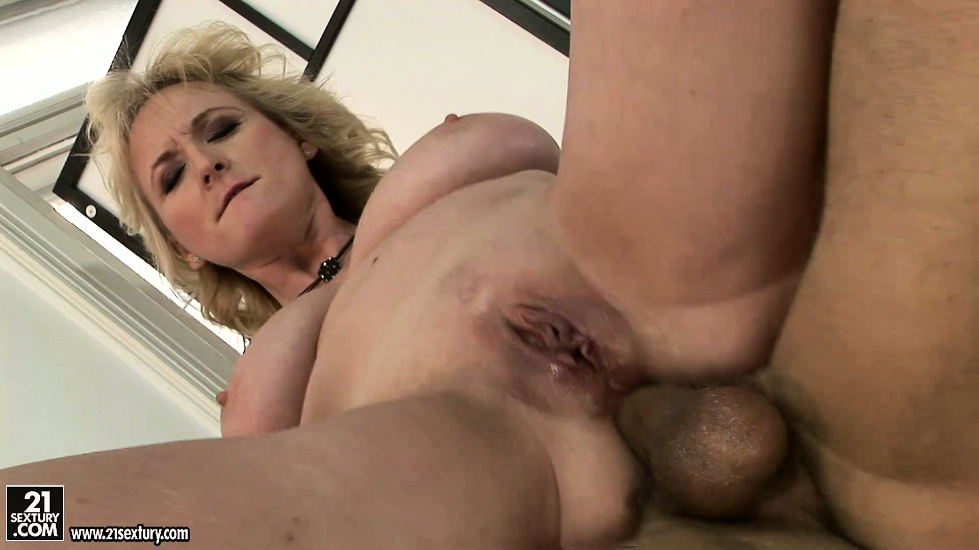Sex Movie of Chubby Blonde Milf Gets Licked And Blows, Takes His Cock In Both Holes