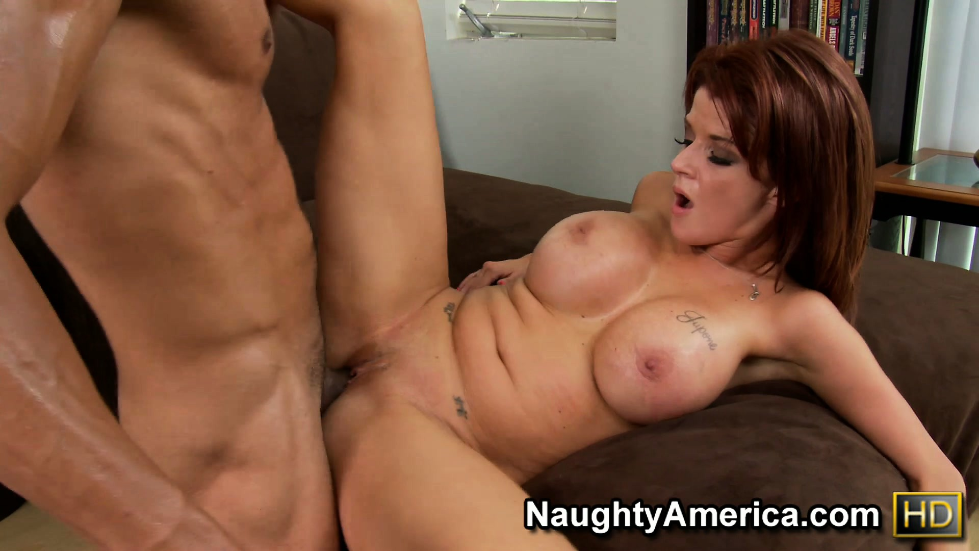 Porno Video of He Pounds The Pussy Of Redheaded Mom Joslyn James And Licks Her