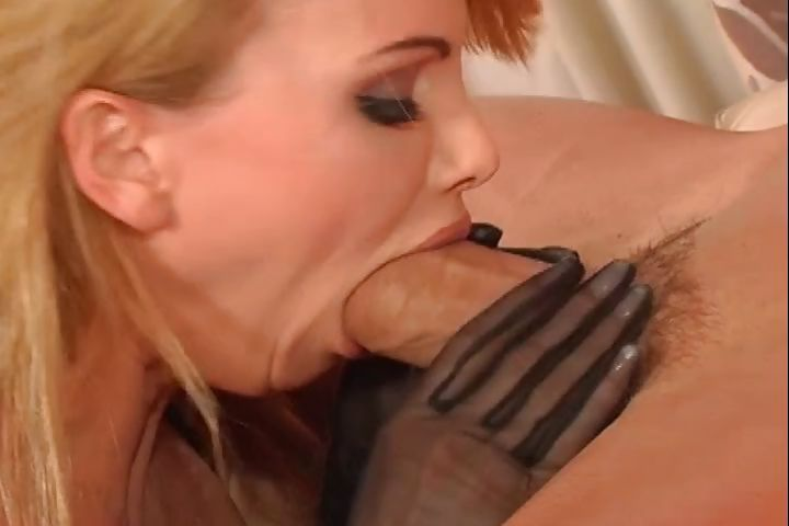 Porno Video of A Genuine Blonde In Sexy Lingerie Gives Her Hung Man Head