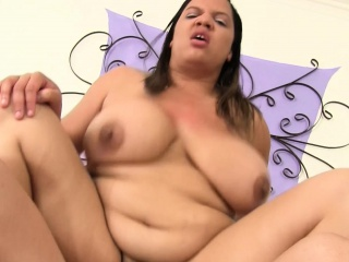 Chunky Babe With Huge Boobs Gets Her Needy Pussy Engulfed And Fucked