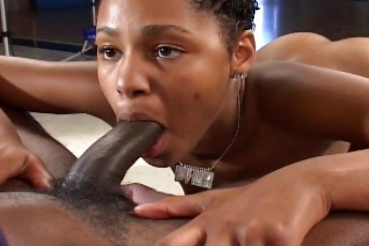Porno Video of A Ghetto Skank Picks Up A Hung Homie With Her Round Booty