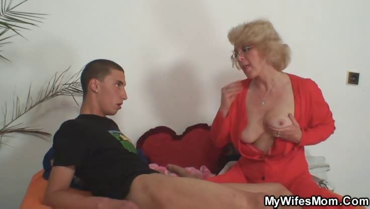 Porn Tube of Wife Finds Him Fucking Mature
