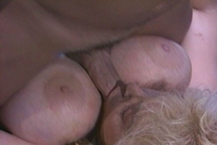 Porno Video of Vintage Video Of A Hot Blonde With Nice Tits Sucking On Dick