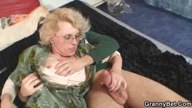 Sex Movie of Granny Gets Him Excited With Body
