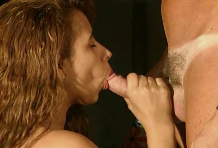 Porno Video of Brazilian Slut Gets Her Pussy Spread Wide With A Speculum