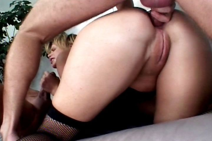 Porno Video of Yummy Milf Blonde Tramp Gets Her Ass And Bald Pussy Stuffed