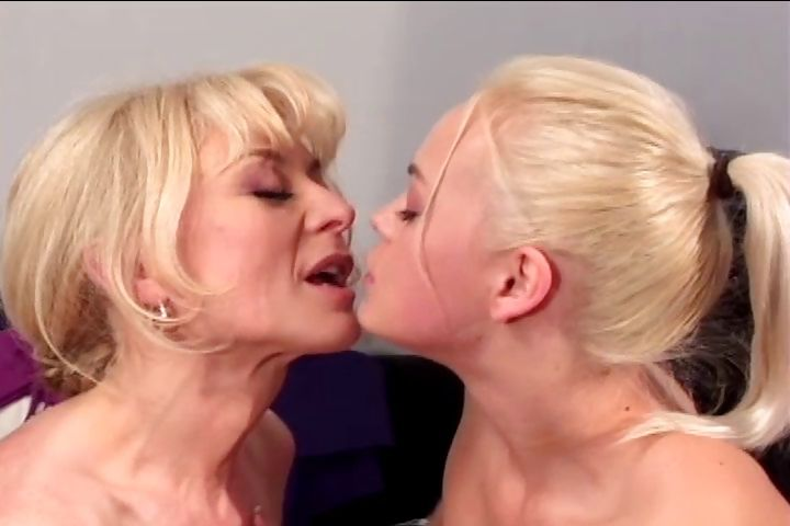 Porn Tube of Nina Hartley Gets A Young Blonde To Take Her Big Red Strap-on Deep