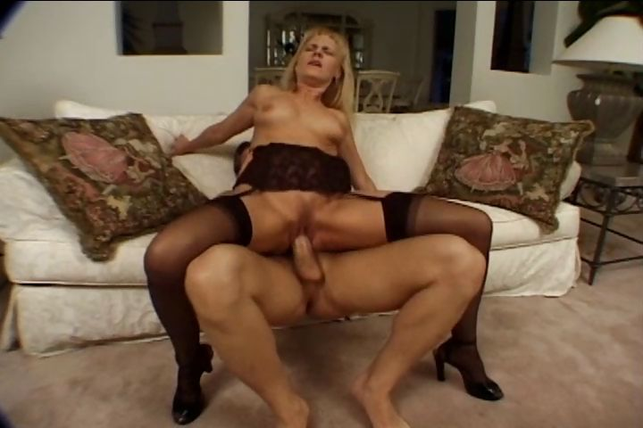 Porno Video of I Loved This Milf's Tight Pussy And I Was Able To Cum On Her Face