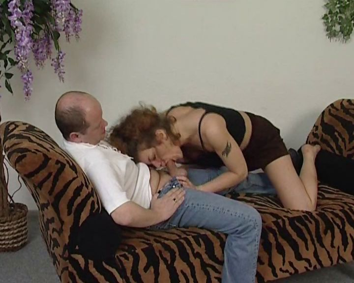 Sex Movie of Dirty Old Man Gets To Play With A Young And Dirty College Teen