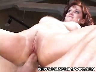 Porno Video of Pretty Wife Enjoy Big Cock Shoving